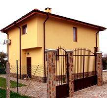 Family residence in Priselci