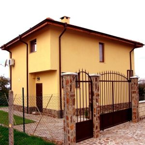 Family residence in Priselci