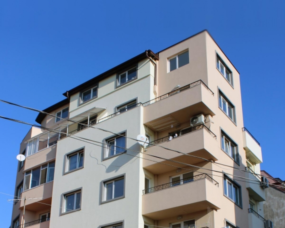 Apartment Building str. Belasica 42