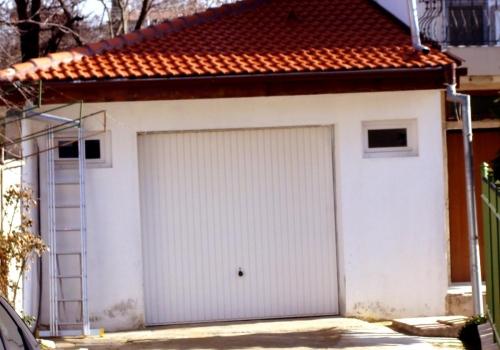 Пристройка — гараж в Траката